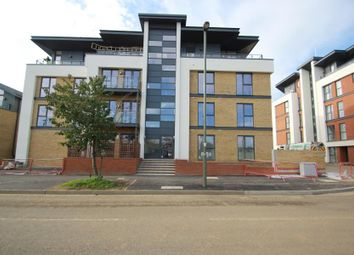 Thumbnail 2 bed flat to rent in Westfield Avenue, Woking
