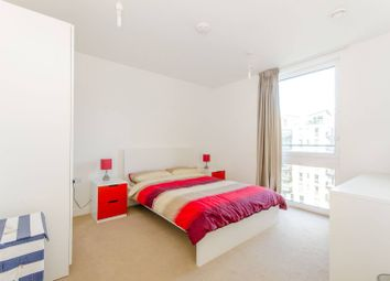 3 bed flat to rent in Prize Walk, Stratford, London E20