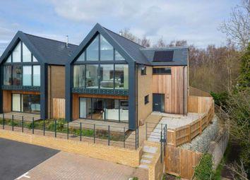 4 bed detached house for sale in Blumer Lock, Hampstead Lane, Yalding ME18
