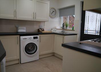 2 bed maisonette to rent in Larchwood Gardens, Pilgrims Hatch, Brentwood CM15