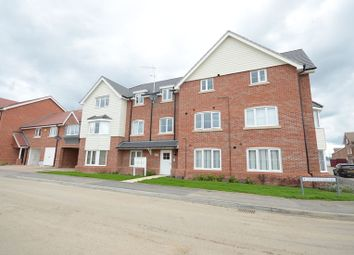Thumbnail 2 bedroom flat to rent in Jasmine Square, Woodley, Reading