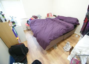 Thumbnail 3 bed flat to rent in Moorland Avenue, Hyde Park, Leeds