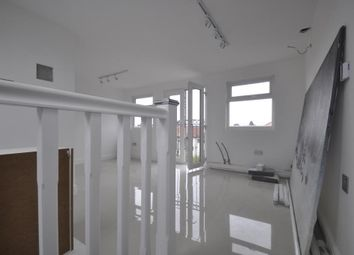 Thumbnail Studio to rent in Tristam Road, Bromley, London