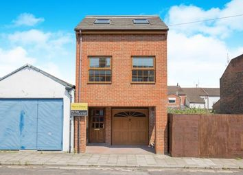 Thumbnail 3 bedroom detached house for sale in Inner Avenue, Southampton, Hampshire