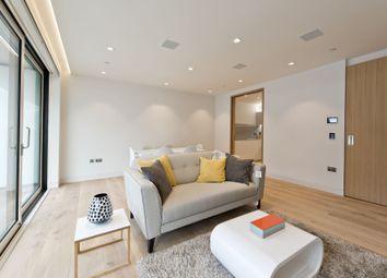 Thumbnail 2 bedroom flat to rent in Chatsworth House, Duchess Walk, Tower Bridge, London