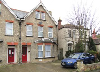 2 bed flat to rent in Hayes Road, Clacton-On-Sea CO15