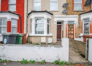 Thumbnail 2 bedroom flat to rent in Claude Road, London