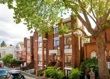 Thumbnail 1 bed flat to rent in Hampstead Hill Gardens, Hampstead