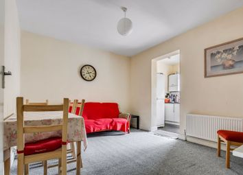 2 bed flat to rent in Bullsmoor Lane, Enfield EN3