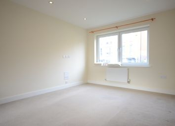 Thumbnail 1 bedroom flat to rent in Midgham Way, Reading