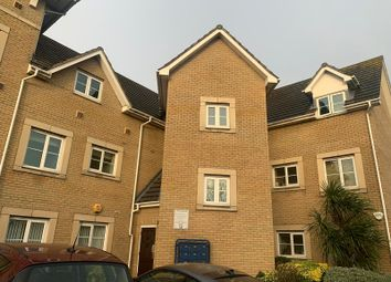 2 bed flat to rent in Walnut Close, Lainden SS15