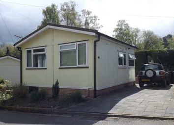 1 bed mobile/park home for sale in Swallow Street, Turners Hill Park, Turners Hill, West Sussex RH10