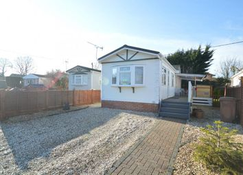 Thumbnail 2 bedroom mobile/park home for sale in Grovelands Avenue, Winnersh