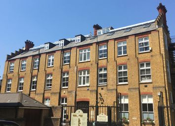 Thumbnail Office to let in Cloisters Business Centre, Battersea Park Road, London