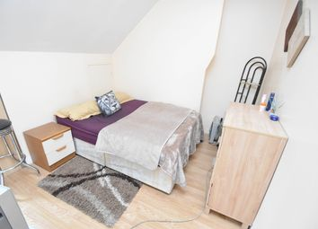 Thumbnail 1 bed flat to rent in Hillfield Avenue, Hornsey