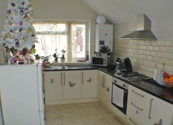 Thumbnail 2 bed flat for sale in Randolph Road, Caversham