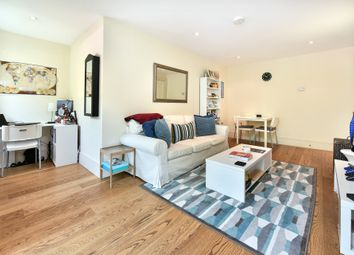 Thumbnail 1 bed flat to rent in Gabriel House, Islington Green