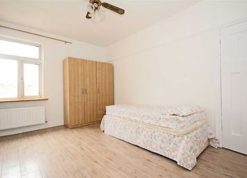 Thumbnail 2 bed flat to rent in Locarno Road, London