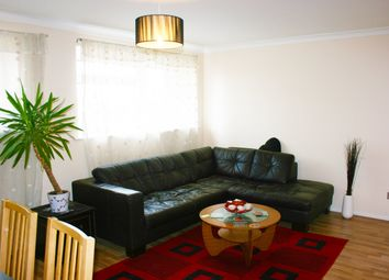 Thumbnail 2 bed flat to rent in Dedworth Road, Windsor