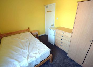 Thumbnail Room to rent in Southampton Street, Reading, Berkshire, - Room 2