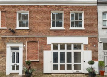 Thumbnail 3 bed mews house for sale in Princes Mews, London