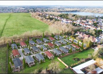 Thumbnail 1 bed mobile/park home for sale in Lyngfield Park, Huxtable Gardens, Maidenhead