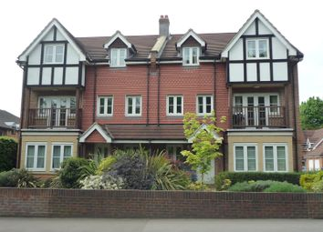 Thumbnail 2 bed flat to rent in Kings Place, Kings Road, Horsham