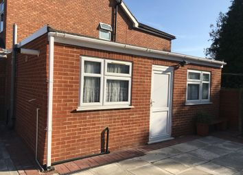 Thumbnail Studio to rent in Kings Gardens, Ilford
