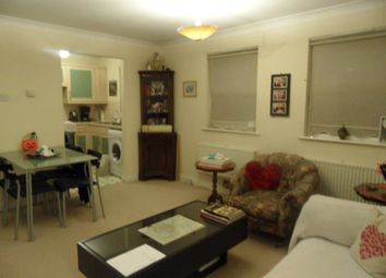 Thumbnail 1 bedroom maisonette to rent in Villiers Close, Luton, Bedfordshire