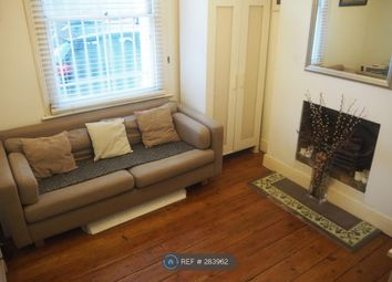 Thumbnail 1 bed flat to rent in Southolm Street, London