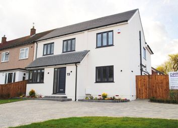 5 bed end terrace house for sale in The Rodings, Upminster RM14