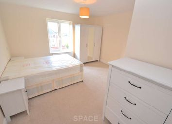 Thumbnail Room to rent in Green Road, Reading, Berkshire