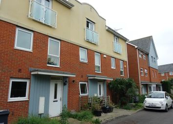 Thumbnail 4 bed detached house to rent in Powell Gardens, Redhill