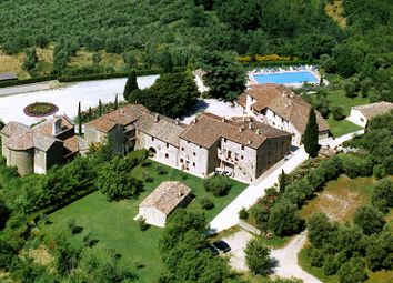 Thumbnail Hotel/guest house for sale in Torale, Passignano Sul Trasimeno, Perugia, Umbria, Italy