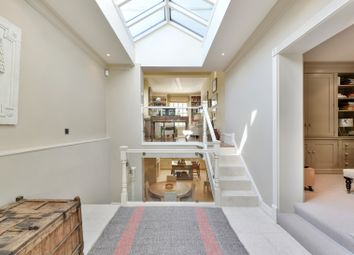 Thumbnail 4 bed town house to rent in Queensdale Road, Holland Park