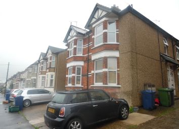Thumbnail 2 bed flat to rent in Roberts Road, High Wycombe