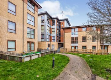 Commonwealth Drive, Three Bridges, Crawley RH10. 2 bed flat for sale