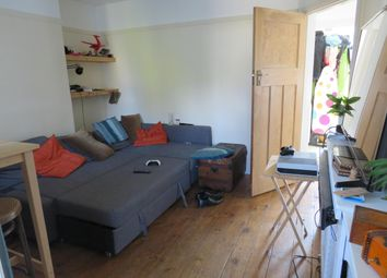Thumbnail 2 bed flat to rent in Watsons Walk, St.Albans