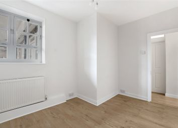 Stanfield House, 12-40 Frampton Street, London NW8. 3 bed flat
