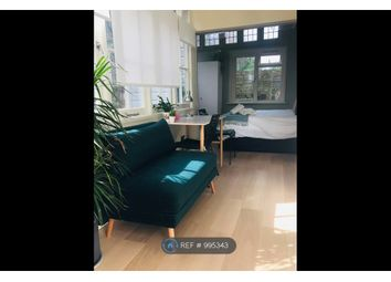 Room to rent in Lloyd Square, London WC1X