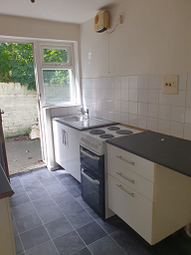 Thumbnail 1 bed flat to rent in Hinderwell Street, Hull