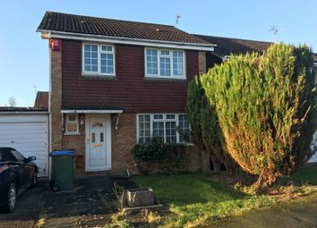 Thumbnail 1 bedroom property to rent in Raven Close, Horsham