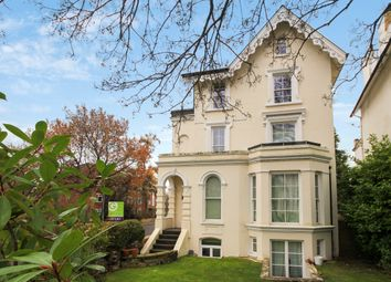 Thumbnail 2 bedroom flat to rent in Oak Hill Road, Surbiton
