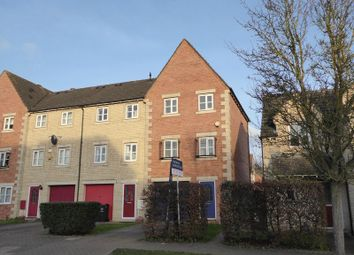 3 bed property for sale in Lucerne Avenue, Bicester OX26