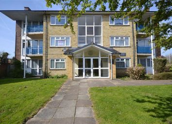 Thumbnail 2 bed flat to rent in Grove Crescent, Croxley Green, Rickmansworth Hertfordshire