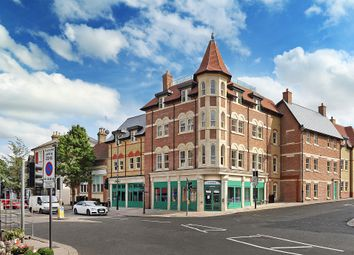Thumbnail 2 bedroom flat for sale in Kings Road, Berkhamsted
