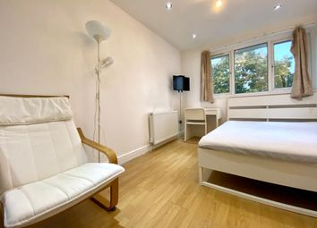 Room to rent in Woodyard Close, London NW5