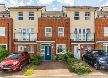 Minchin Acres, Hedge End SO31. 3 bed town house
