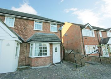 Thumbnail 2 bed property to rent in Wolf Lane, Windsor