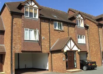 Thumbnail Studio to rent in Hatton Road, Feltham